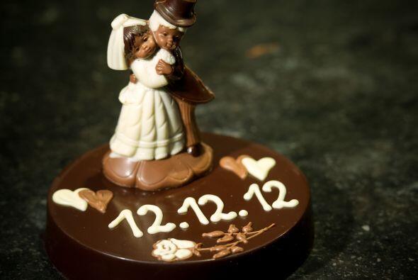 Incluso un pastel pequeño, si optaste por hacer una boda muy íntima, ser...
