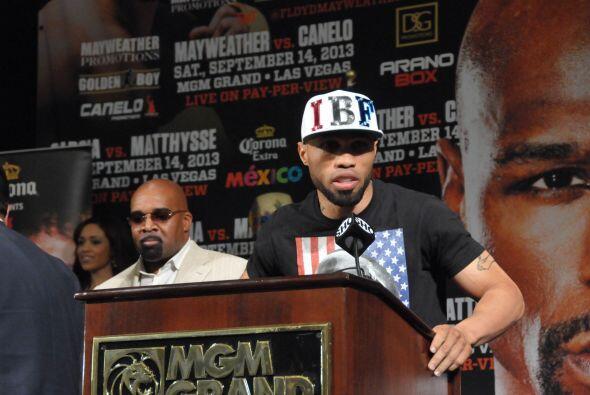 El campeón Ishe Smith dedicó sus palabras a Oscar De la Hoya y para Carl...