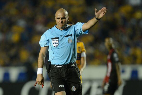 El Veracruz ganó el partido 3-1 pero cuando el marcador estaba con apena...