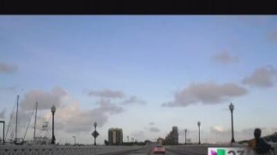 Comienza el cierre del Venetian Causeway d9b03c781844460d825711bb5e06b4c...