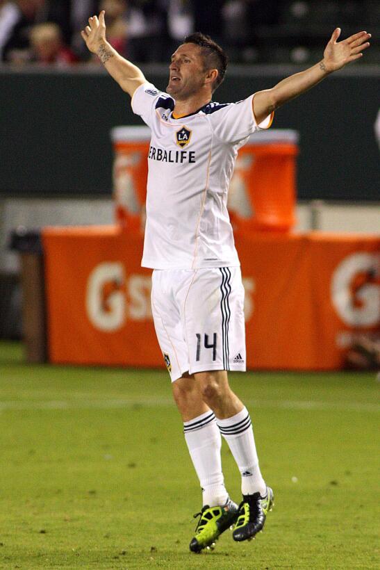 Robbie Keane - el delantero irlandés se estrenó en agosto de 2011 con LA...
