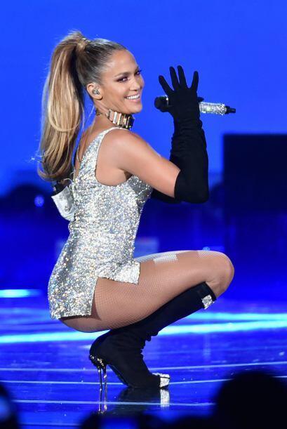 Jennifer Lopez supuestamente también fue balconeada en la red.