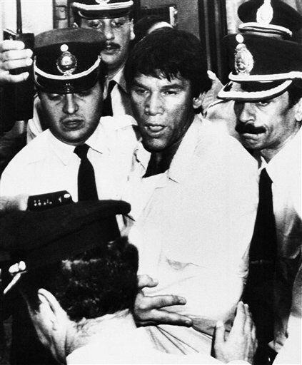 El boxeador argentino Carlos Monzón fue acusado del asesinato de su espo...