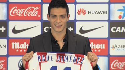 Raúl Jiménez fue oficialmente presentado en el Atlético de Madrid