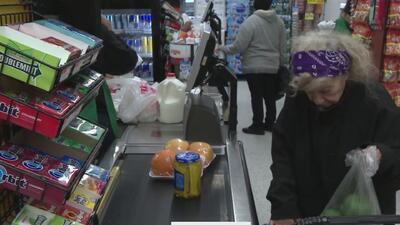 Adelantarán la entrega de estampillas de comida para febrero en Texas, por cierre parcial del gobierno