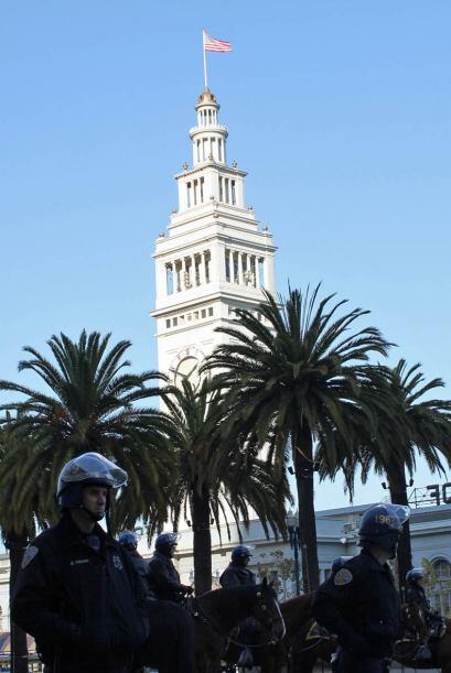 La policía arrestó a 70 indignados en el primer encuentro por agreder a...
