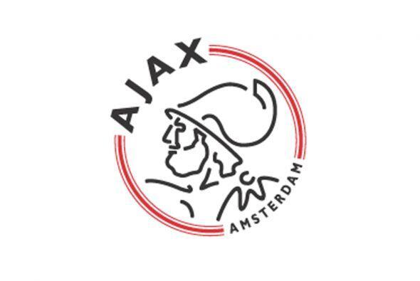 Iniciamos justo con el añejo 1980, cuando el danés Søren Lerby del Ajax...