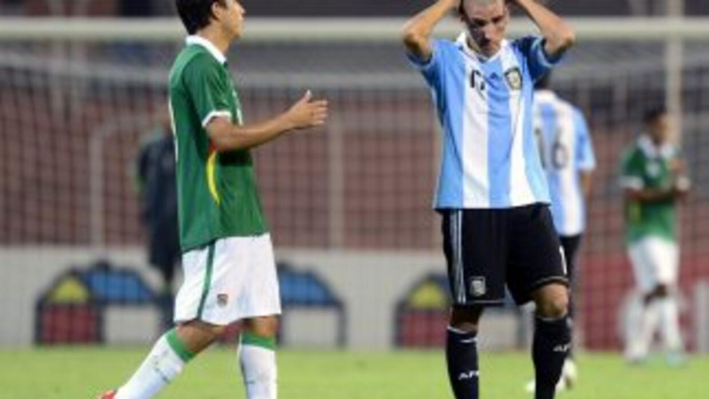 Tras igualar 2-2 con Bolivia en Mendoza, Argentina prácticamente quedó e...
