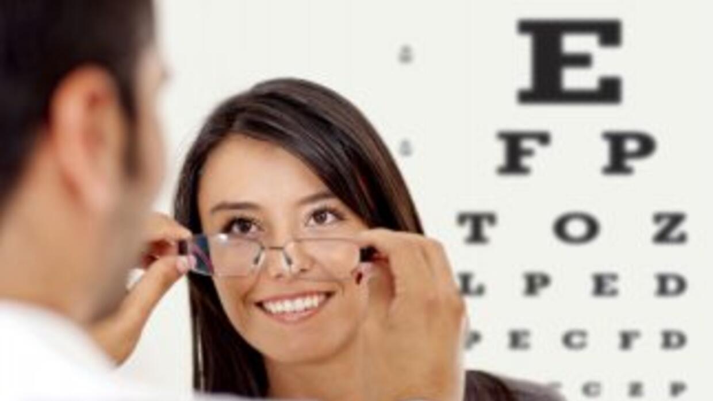 Descubre la importancia de visitar regularmente a un oftalmólogo para cu...