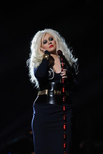 Y harta de las críticas, Christina le dijo a su sello discográfico que t...