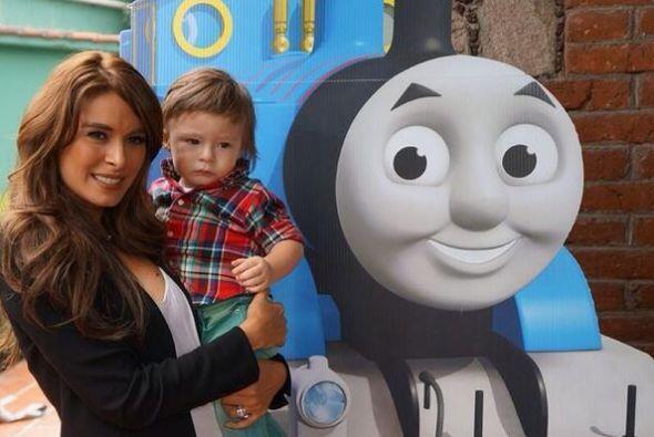 """La locomotora """"Thomas Friends"""" visitó México y Galilea Montijo llevó a s..."""