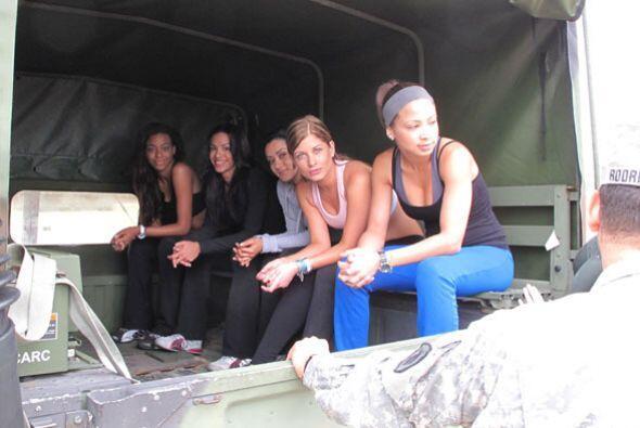 El día de las chicas de NBL empezó con los gritos de los militares a las...