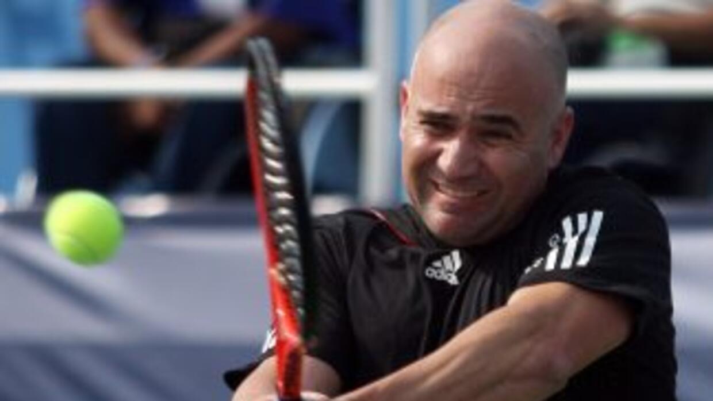 Agassi mostró parte del talento con el que ganó esos torneos Gran Slam.
