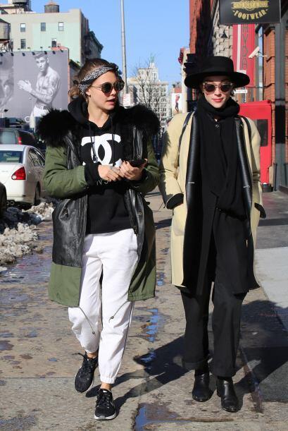 ¿Serán verdad los rumores entre estas dos bellas chicas?