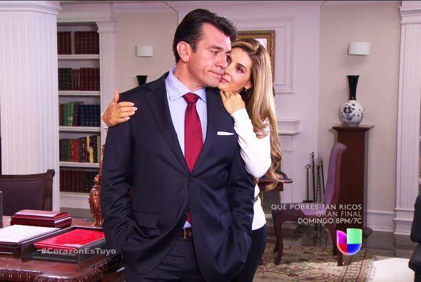 Conseguiste lo que querías Isabela, Fernando cayó ante tus encantos.