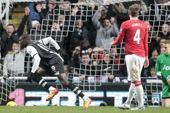 Y el futbolista senegalés se destapó con un golazo, pese a la marca de R...