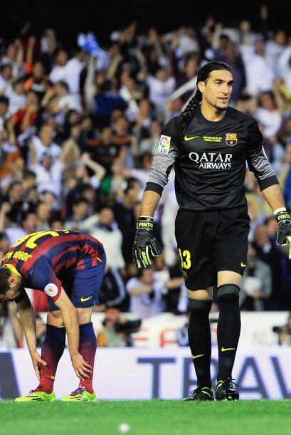 (Con información de EFE) Manuel Pinto (5): Pudo hacer más en los dos gol...