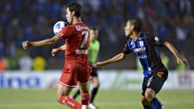 Toluca se impuso en Querétaro con goles de cabeza.