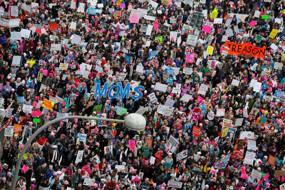 La Marcha de Mujeres en Washington llena la avenida Pennsylvania.