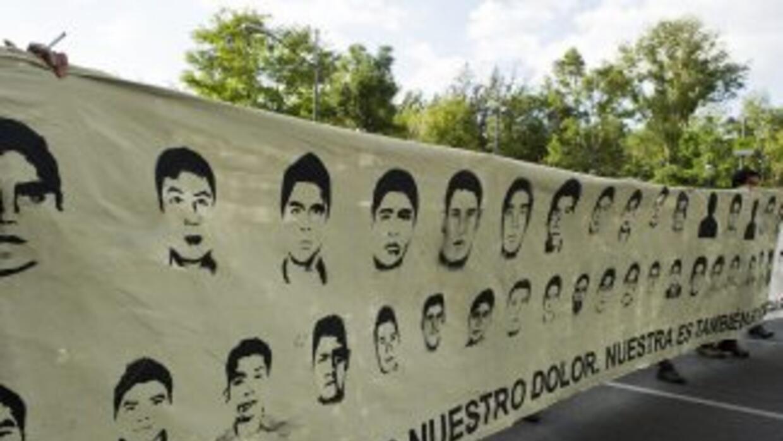 Familiares de los desaparecidos viajan a la capital mexicana tras la det...