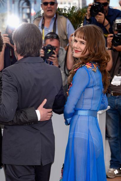 La actriz estuvo acompañada de sus coestrellas, Robin Bartlett y Sarah S...