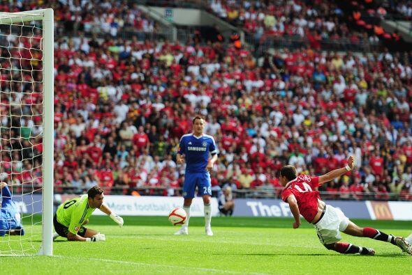 Su primer partido competitivo fue ante el Chelsea y también convirtió co...
