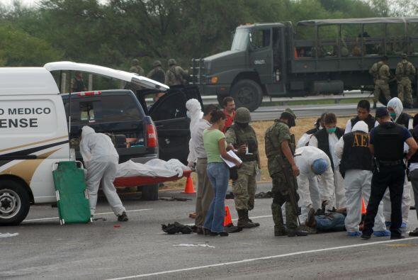 En el enfrentamiento en Tamaulipas, los militares rescataron a tres pers...