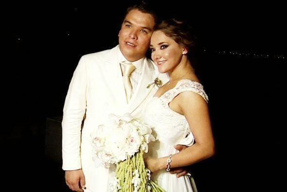 Primeras imágenes de la boda civil de Sherlyn con Gerardo Islas corriero...