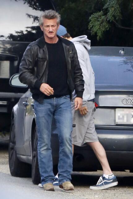 Sean Penn comparte un momento con su hijo