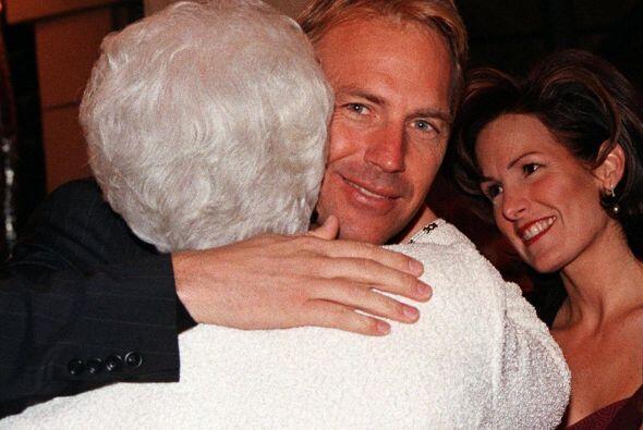 Seguramente no recordarán que Kevin Costner estuvo casado con Cindy Silv...