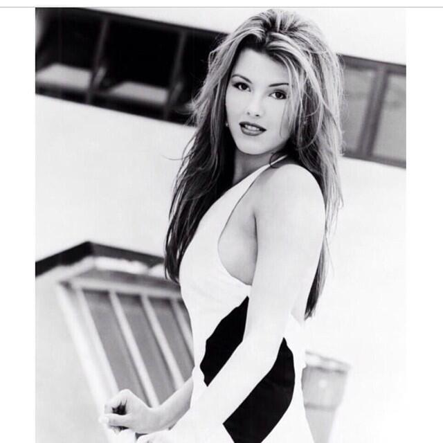 Alicia Machado cumple 21 años de ser reina de belleza 10979607_628013880...