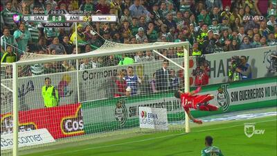 Soberbia atajada de Agustín Marchesín evitando el 0-1