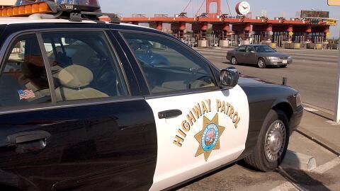 Un agente de la Patrulla de Carreteras de California enfrenta cargos por...
