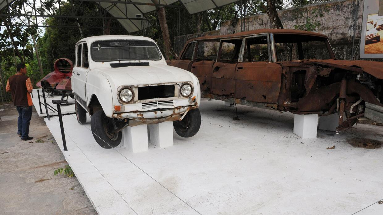Algunos de los automóviles que se cree que eran de Pablo Escobar y están...