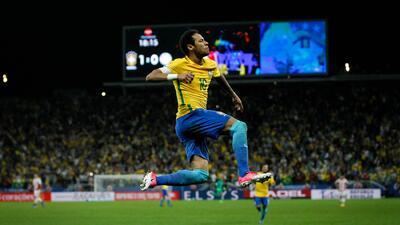 Brasil se asegura al menos repechaje hacia Rusia 2018 con goleada y 'jogo bonito' ante Paraguay