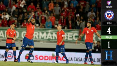 Con doblete del 'Rey' Arturo, Chile goleó en casa a Honduras