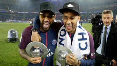 "Dani Alves cree que Neymar tiene el mismo problema que Cristiano: ""provoca envidia"""