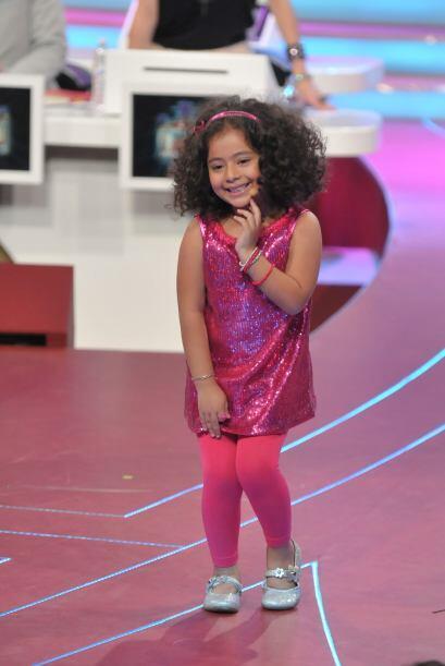 Después fue turno de imitar a la cantante de música pop, Thalía.