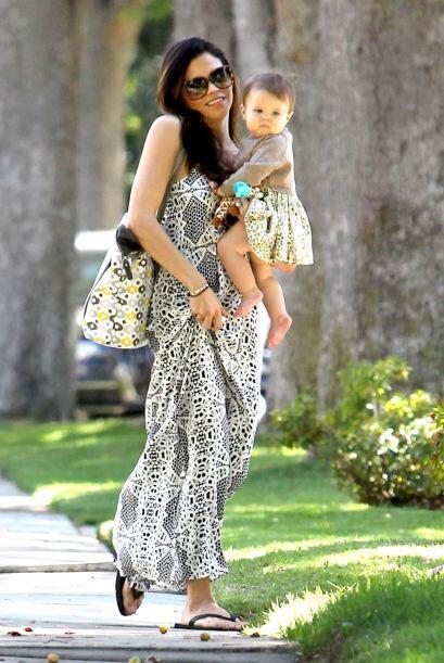 Disfruta de estas hermosas imágenes de Jenna y su bebé.  M...
