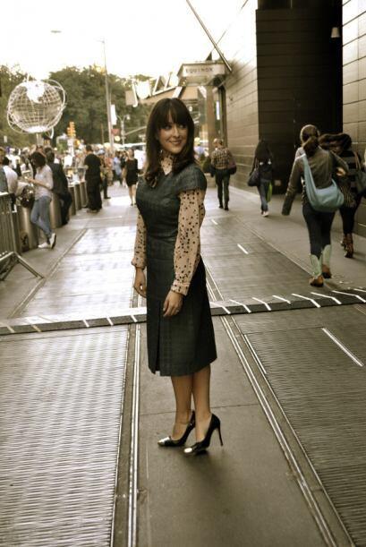 Convierte un vestido convencional y clásico en un 'look' totalmen...