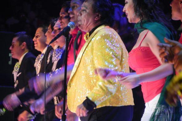 """Canciones como """"Abrázame Muy Fuerte"""", """"Amor Eterno"""" y el clásico """"Así Fu..."""