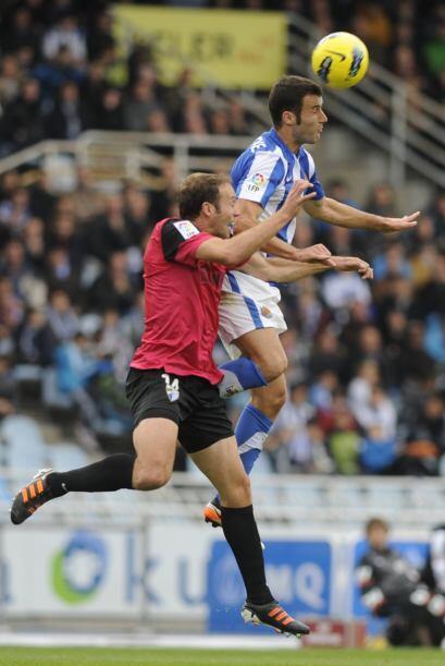 La Real buscaba defender ese gol de ventaja a como diera lugar.
