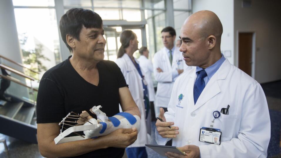 salud mano trasplante