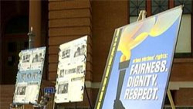 honran a víctimas de crímenes en Arizona con una exposición