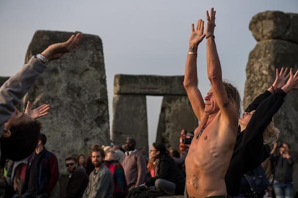 En Stonehenge, al sur de Inglaterra, la celebración pagana del solsticio...