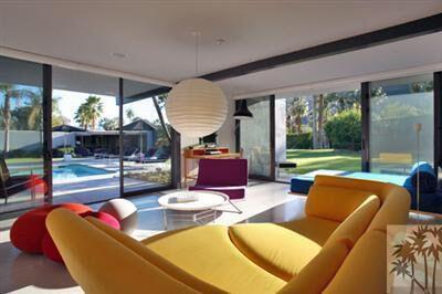 Se dice que la casa fue diseñada por el arquitecto Donald Wexler. El pro...