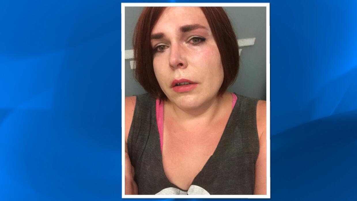 Detienen a transgénero en aeropuerto de Orlando por 'anomalía'