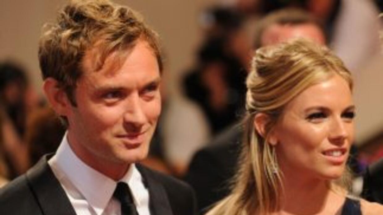 Luego de una escandalosa separación en 2006, Jude Law y Sienna Miller po...