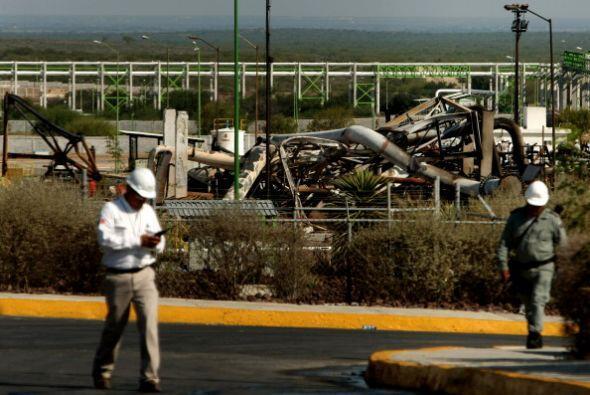 7 de septiembre de 2010. Un trabajador murió y dos más resultaron gravem...