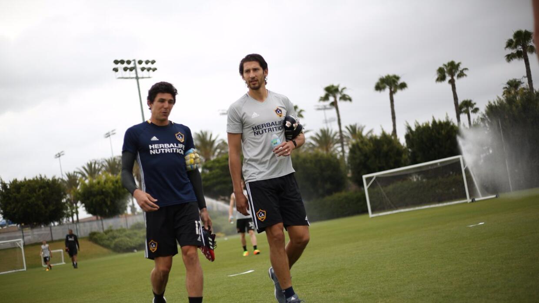 Omar González entrena con LA Galaxy